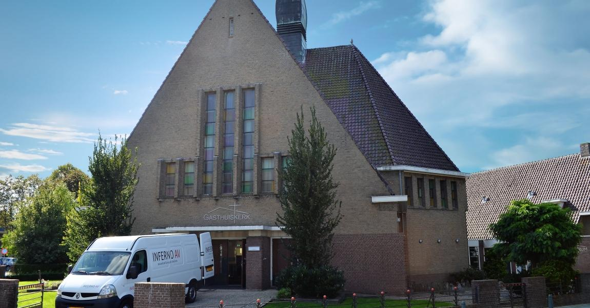 Gasthuiskerk buitenkant bewerkt 2 (Blauwe Lucht)-min.jpg